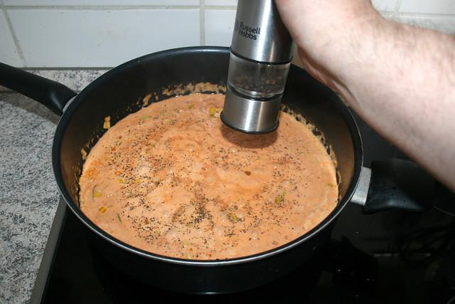 33 - Mit Salz & Pfeffer würzen / Season with salt & pepper