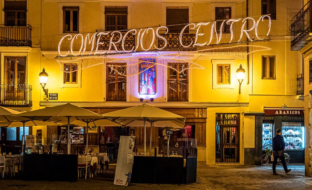 City Lights (Plaza Lope de Vega - Valencia) High ISO (Olympus OM-D EM5.2 & M.Zuiko 12-100mm F4 Pro Zoom) (1 of 1)