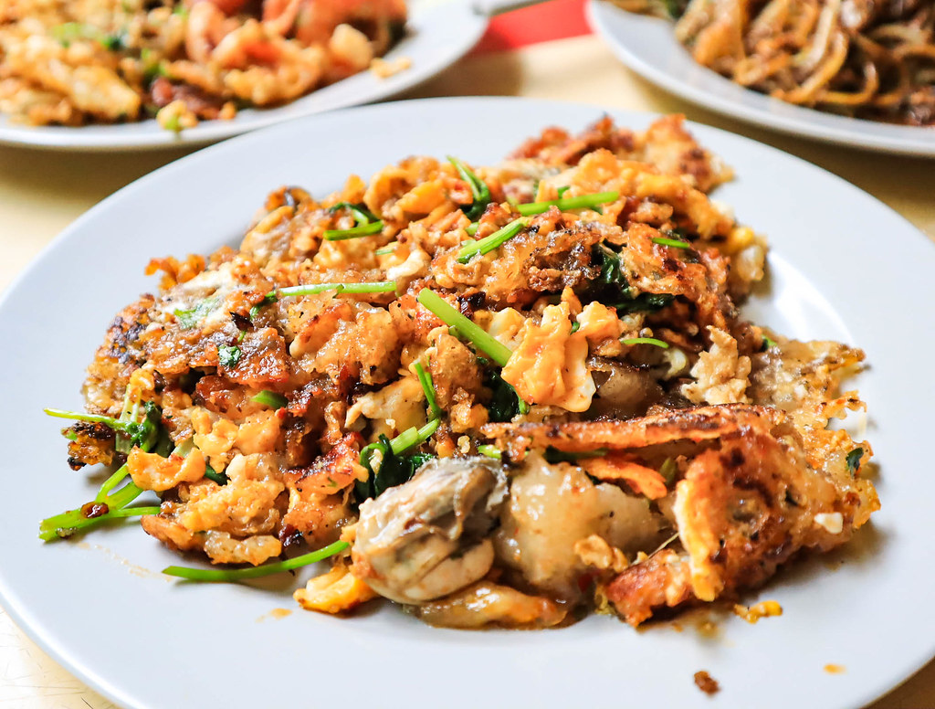 hougang-orh-lua oyster omelette close up