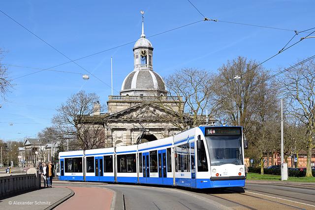 (NL) Amsterdam: Siemens Combino 2006 auf der Linie 14 in Richtung Flevopark nahe der Haltestelle Alexanderplein