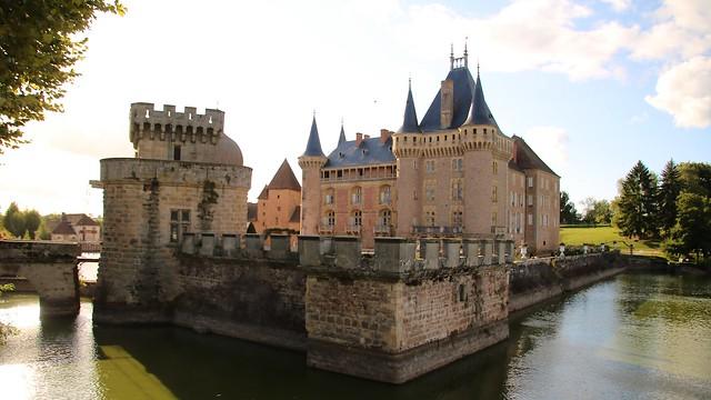 Château de La Clayette / Côté Est - Poterne fortifiée
