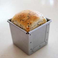 黒ごまチーズ食パン 20200405-DSCT6314 (2)