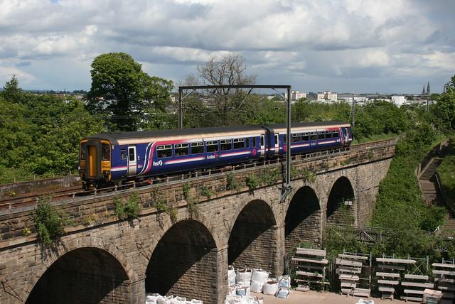 156446 Slateford viaduct 1226 EDB-GLC 13-5-11
