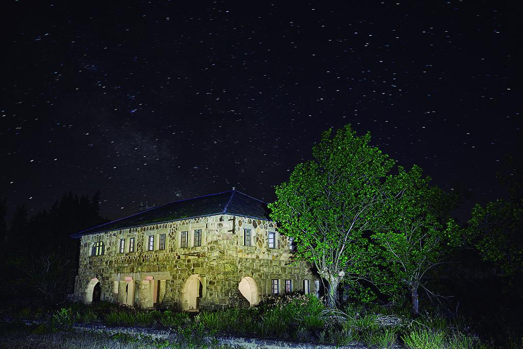 Estación de tren en desuso-Abejera-Nocturna