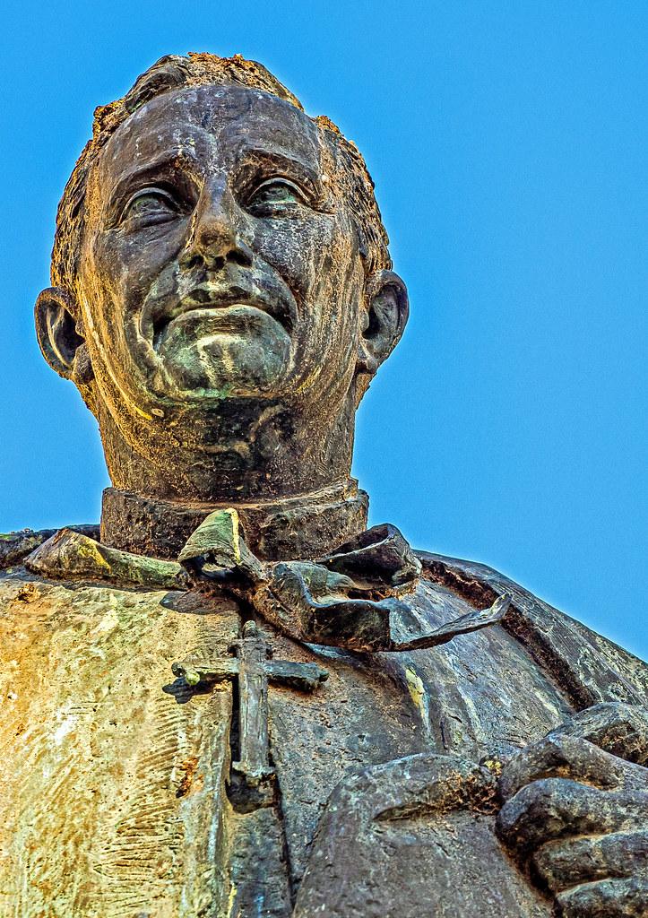 Close Up - Statue (Valencia) (Olympus OM-D EM5.2 & M.Zuiko 12-100mm F4 Pro Zoom) (1 of 1)