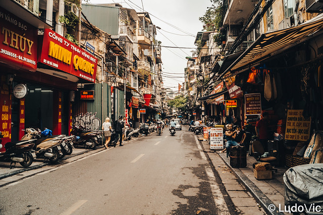 Lost in Hanoi's street