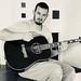 S kytarou si rozumí také metalista Dominik Paris., foto: Dominik Paris, Facebook