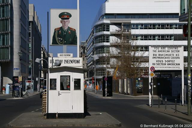 Europa, Deutschland, Berlin, Friedrichshain-Kreuzberg, Kreuzberg, Friedrichstraße Ecke Zimmerstraße, Checkpoint Charlie