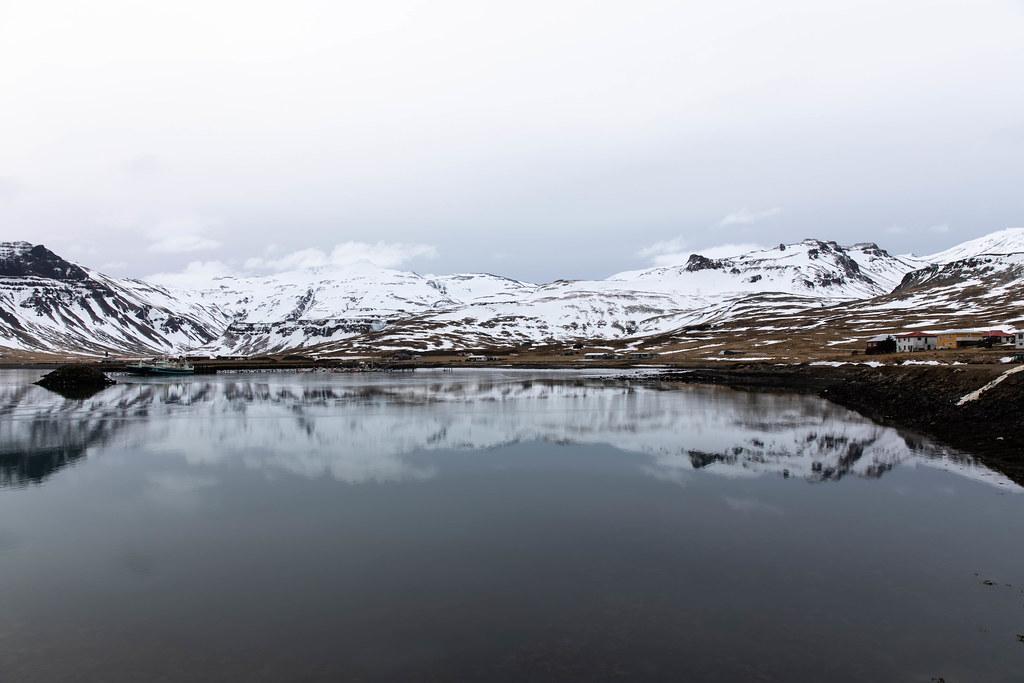 Grundarfjörður reflection
