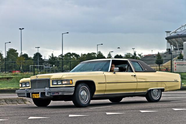 Cadillac Coupé DeVille 1975 (1316)