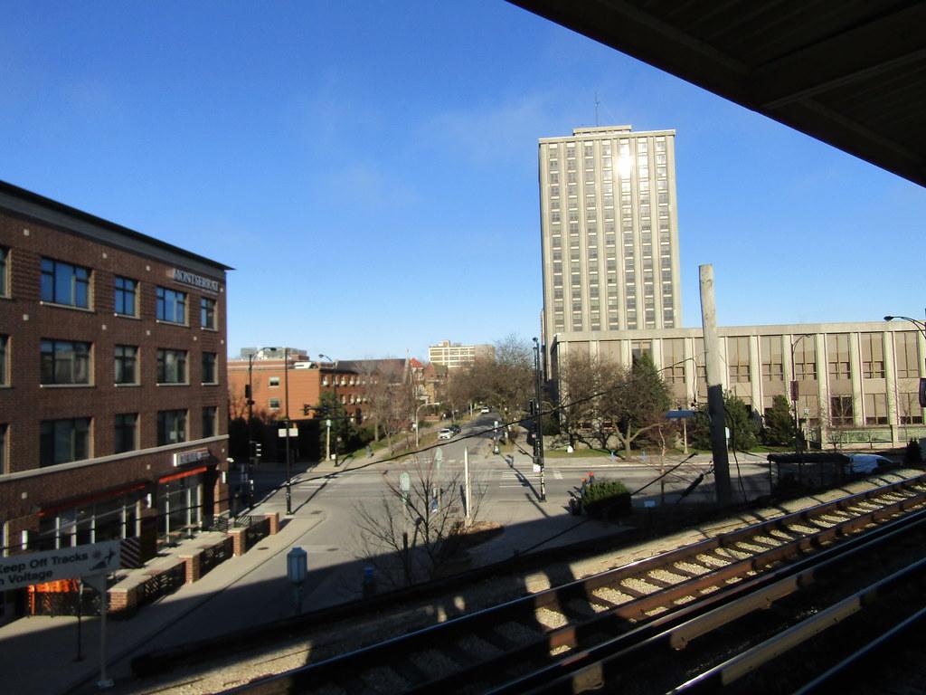 A view from Loyla 'L' station inbound platform