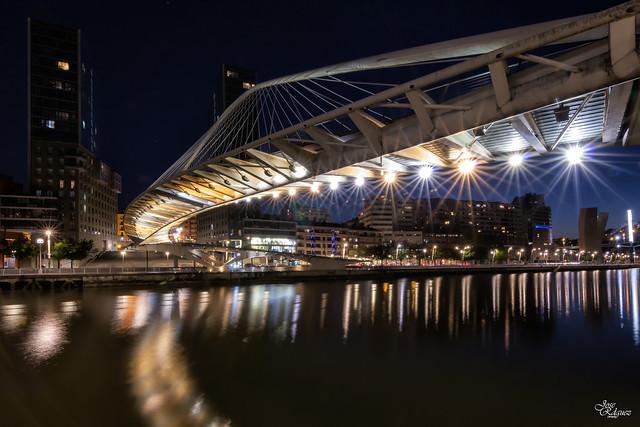 Puente de Zubi Zuri o de Calatrava de Bilbao