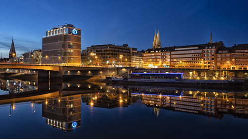 bremen sonnenuntergang blauestunde bluehour river fluss weser sunset tiefer herrlichkeit wilhelmkaisenbrücke sonya7iii ilce7iii loxia25mmf24