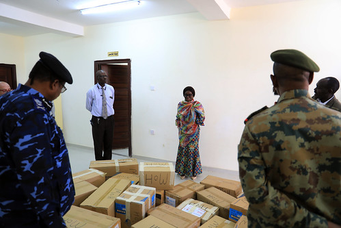 20200405Amin Ismail DJSR Hand Ovear PPE to Manstary Of Hilth Zalinge Cantral Darfur. | by UNAMID Photo