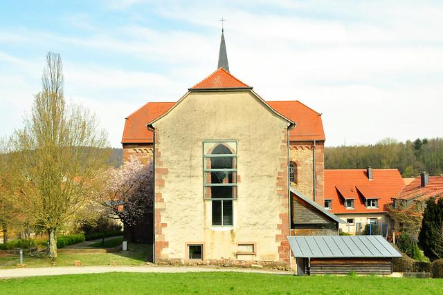 April 2020 ... Lobenfeld - Kloster und Klostergarten ... Brigitte Stolle