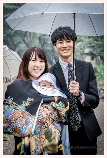 雨のお宮参り 親子写真 3ヵ月の男の子赤ちゃん