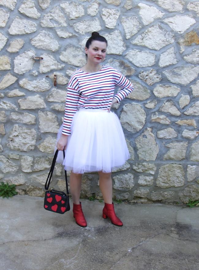 comment-porter-mariniere-jupe-tutu-blanc-bottines-rouges-2