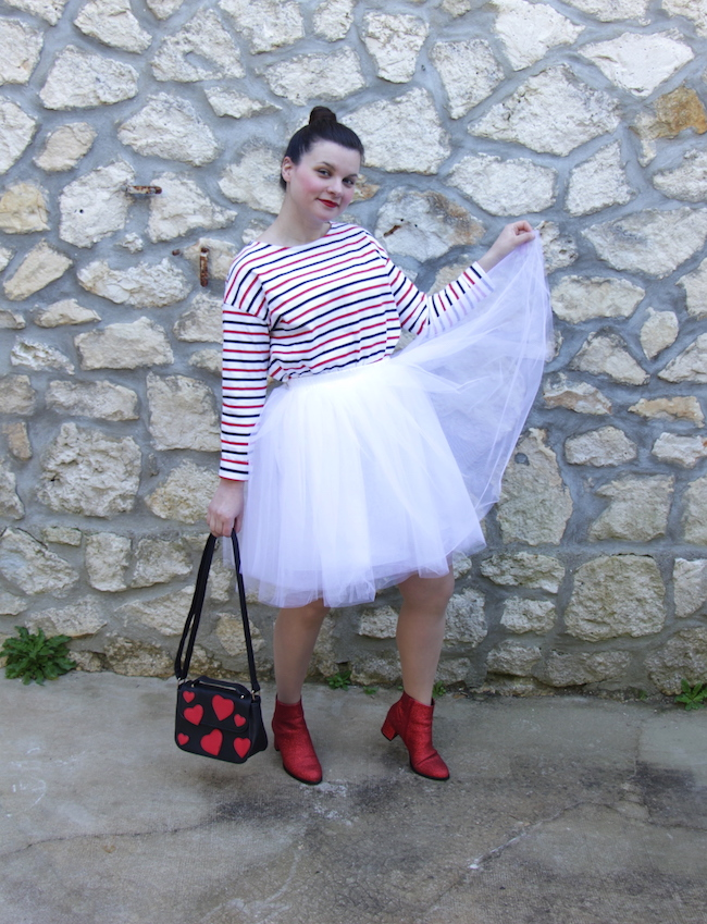 comment-porter-mariniere-jupe-tutu-blanc-bottines-rouges-1