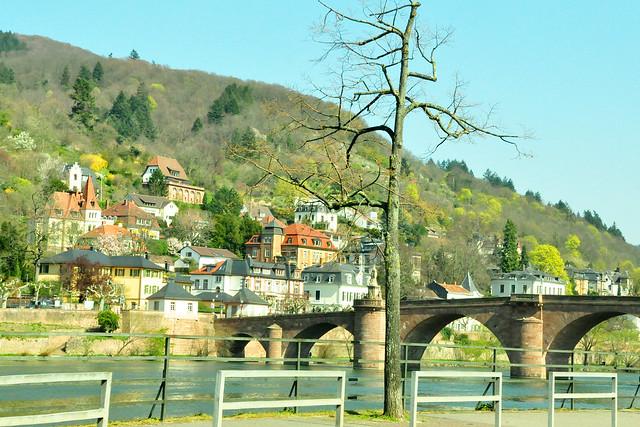 April 2020 ... Unsere Autofahrt nach Lobenfeld geht durch Heidelberg ... Brigitte Stolle