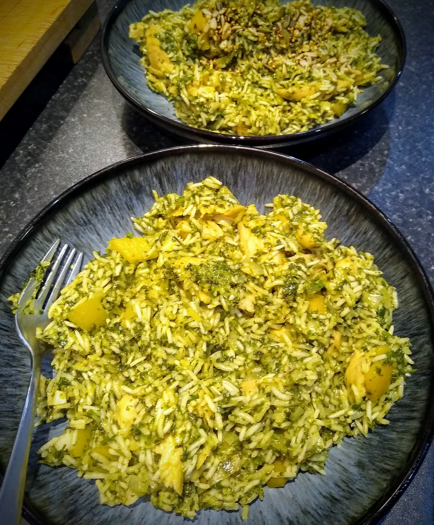 Green rice in bowls