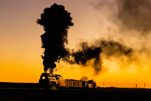 paradise pennsylvania unitedstatesofamerica canon77d 2470f4 goldenhour orange steam smoke locomotive engine nw silhouette