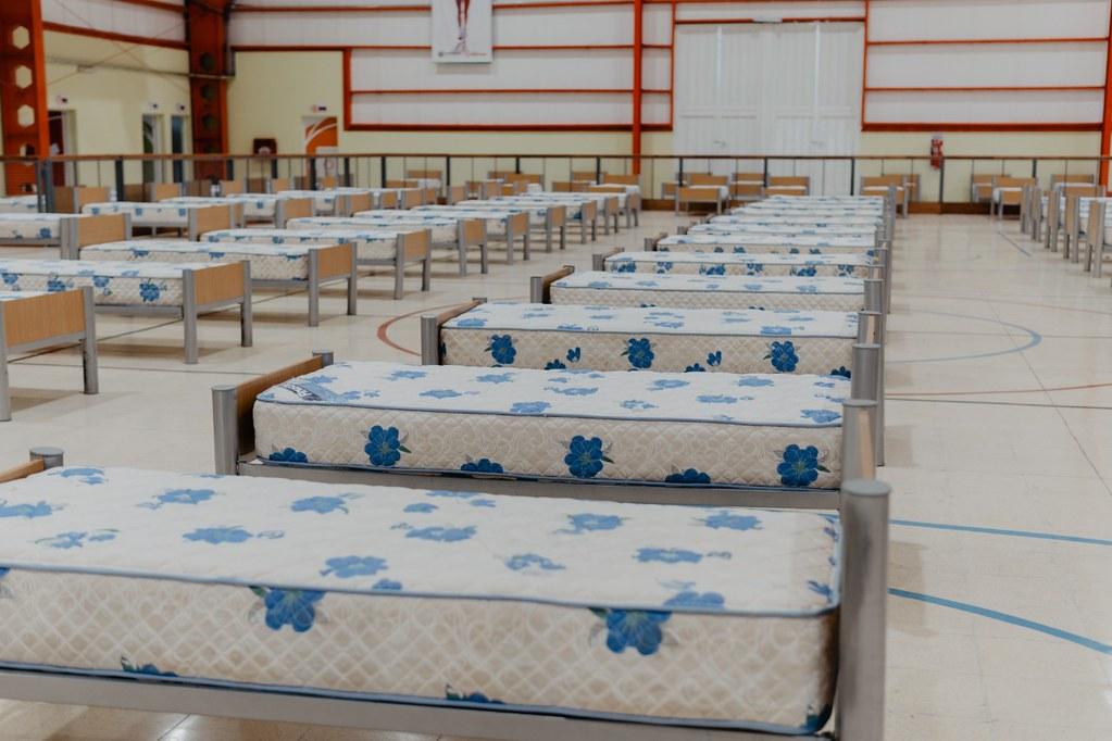 30-04-06 PRENSA El Polideportivo de San Martín y el Estadio Aldo Cantoni fueron acondicionados como hospitales de campaña (2)