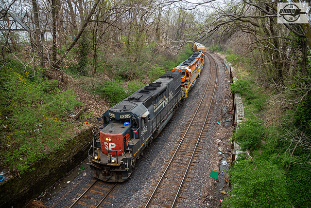 Eastbound MNA Manifest Train at Independence, MO