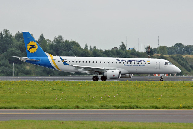 UR-EME Embraer 190-100STD Ukraine International Airlines BRU 21-09-13