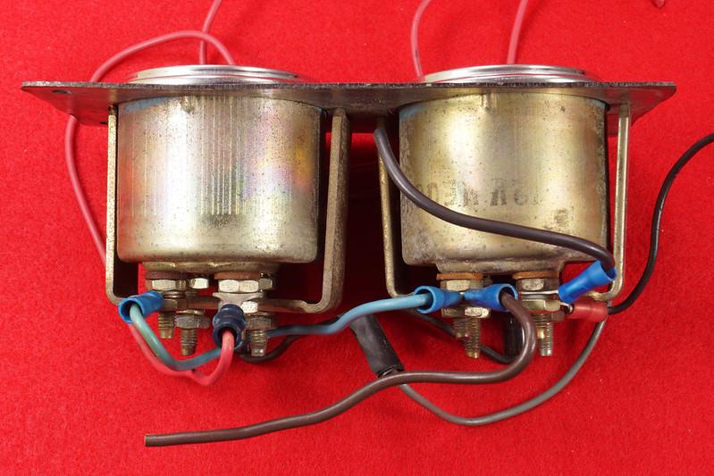 RD29349 Vintage Stewart Warner Water Temp 828011 & Oil Pressure 828010 Gauges DSC02357
