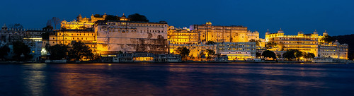 rajasthan india palace city castle indian architecture blue hour sunset lights lake pichola udaipur mewar rajput long exposure