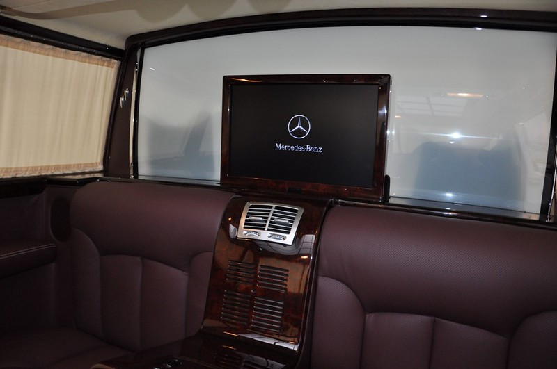 Mercedes-Benz-600-Pullman (17)