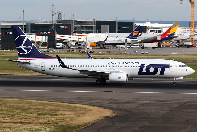 LOT Polish Airlines   Boeing 737-800   SP-LWB   London Heathrow