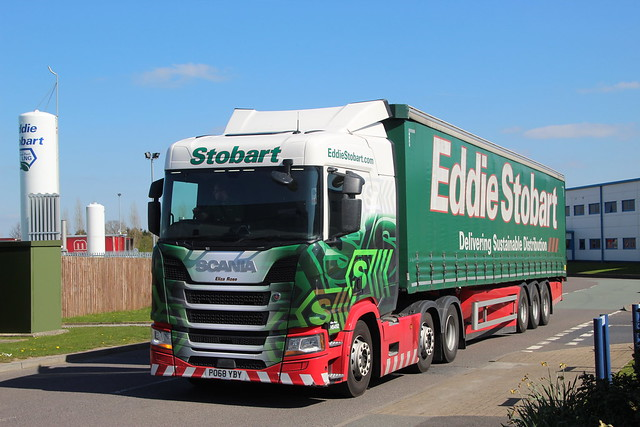 H5492 PO68YBY Eliza Rose Eddie Stobart