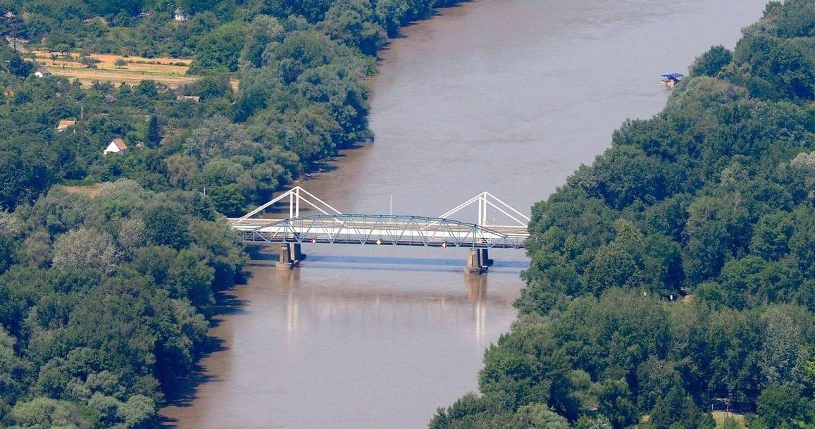 Felújítják Makó 45 éves Maros-hídját
