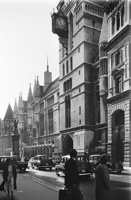 Temple Bar, Royal Courts of Justice, Strand, Fleet St, City, Westminster 86-9h-32_2400