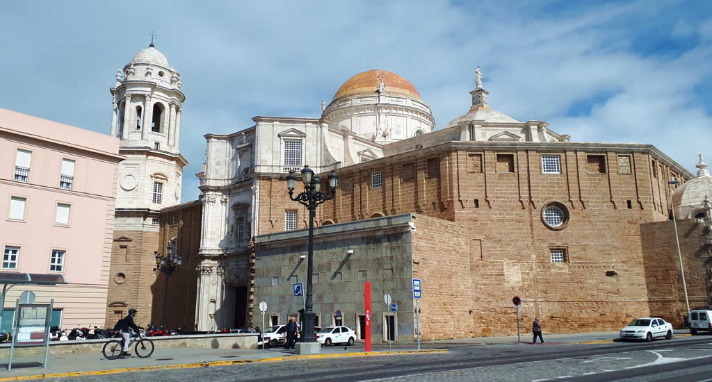 Bezienswaardigheden Cadiz: Kathedraal van Cadíz | Mooistestedentrips.nl