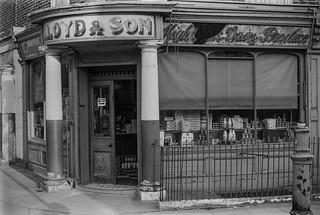 Lloyd's Diary, Amwell St, Kings Cross, Islington 86-9o-55_2400