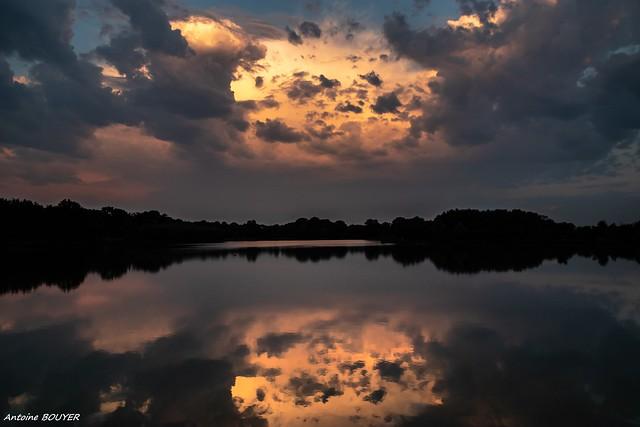 Ciel au petit matin au lac du Grand Fay