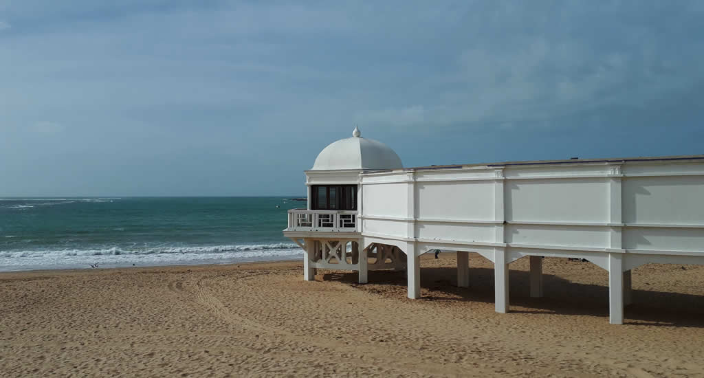 Bezienswaardigheden Cadiz: Playa La Caleta | Mooistestedentrips.nl