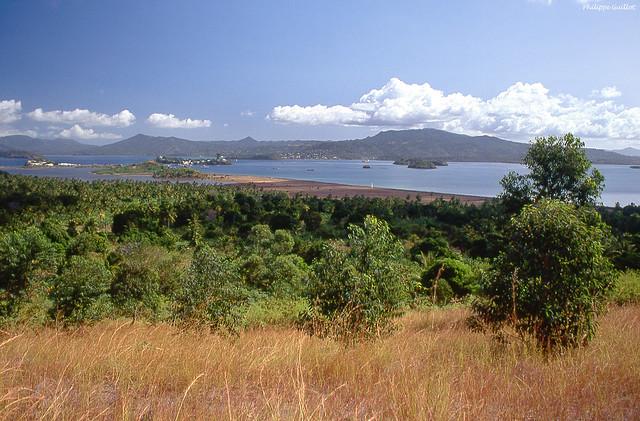 Mayotte : la grande Terre vue de la Petite Terre