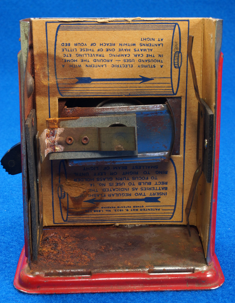 RD28417 Vintage 1933 Niagara 2 Cell Red Trail Blazer Mini Lantern Horse Rider Decal DSC02400