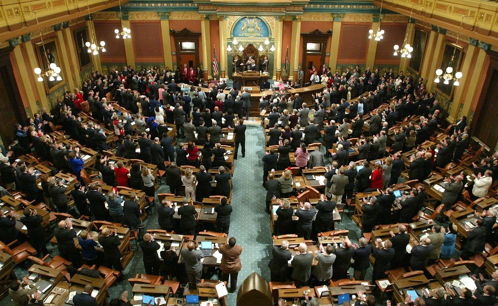 Michigan House of Representatives and Senate Meet to Vote on Whitmer's Order