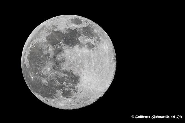 GQR02989-R-Sony-A7R-M3-Luna-Abril-2020