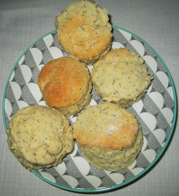 lemon and poppy seed scones2