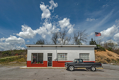 happies lindside classictruck truck chevy gasstation serviceastation bobbell nikon d750 clouds spring