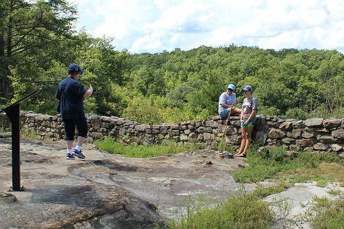naturalarchscenicarea parkerslake ky kentucky hiking family hothumiddays
