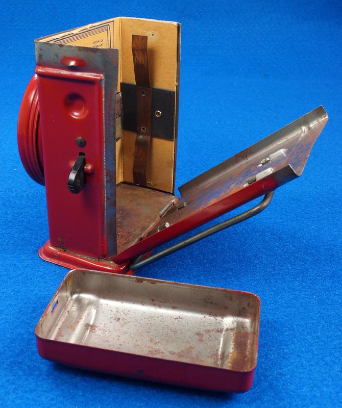 RD28417 Vintage 1933 Niagara 2 Cell Red Trail Blazer Mini Lantern Horse Rider Decal DSC02403