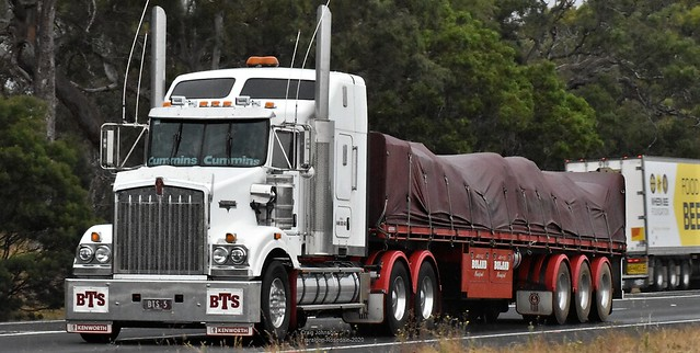 Boland Kenworth Stretches out on the Eastbound Traralgon-Rosedale