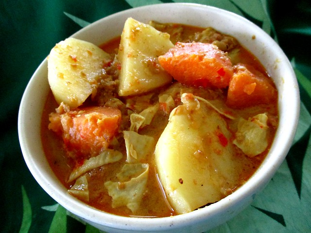 Sweet potatoes/potatoes masak lemak