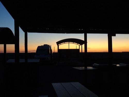 pimba southaustralia spudsroadhouse sunset silhouette shelter shape glow